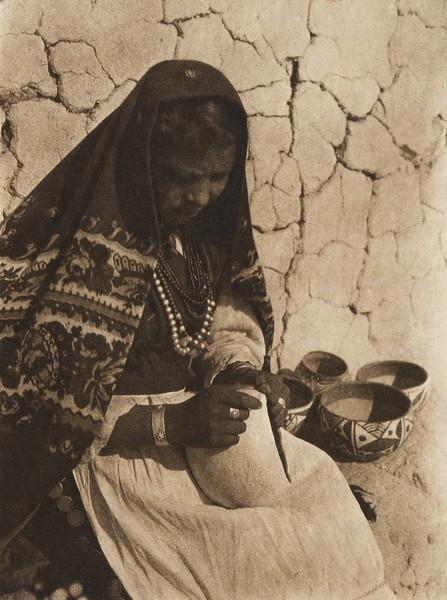 Felicia - Isleta (The North American Indian, v. XVI. Norwood, MA, The Plimpton Press,  1926)