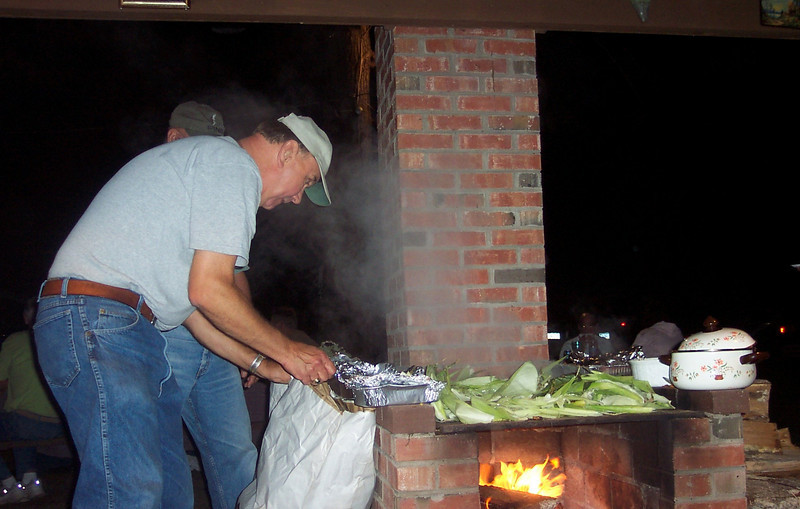 Corn Roast 2005 (2).JPG