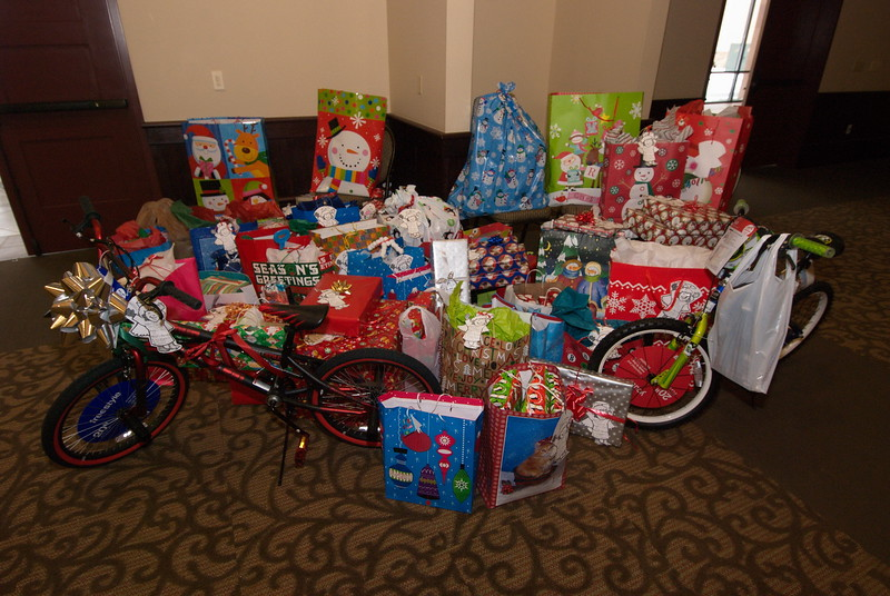 2013-12-15-FOCUS-Christmas-Presents_001.jpg