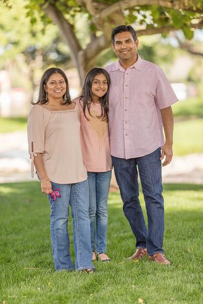 Urvi Family-142.jpg