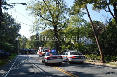 20131002 - Locust Valley - Car Vs Pole