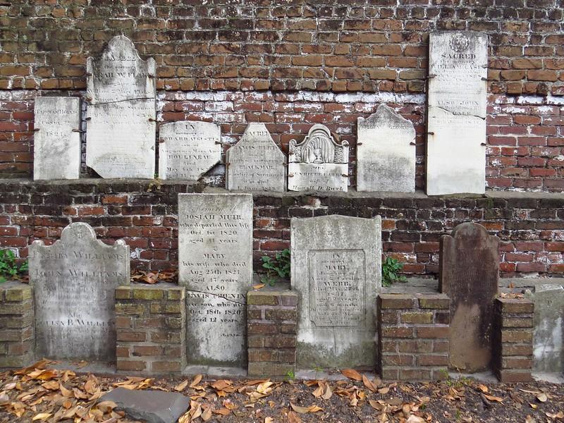 Colonial Cemetery, Savannah, Georgia (2).JPG