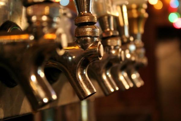 culhanes-irish-pub---taps_med.jpeg