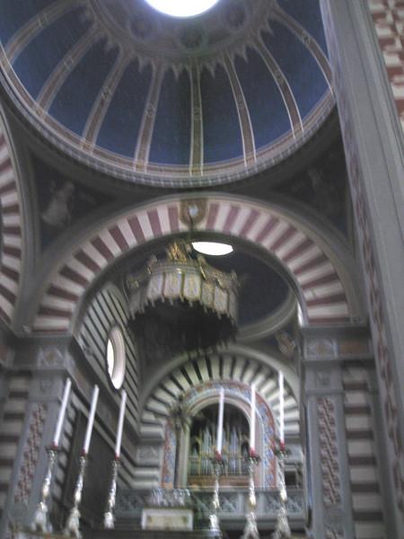 Santa Margherita interior