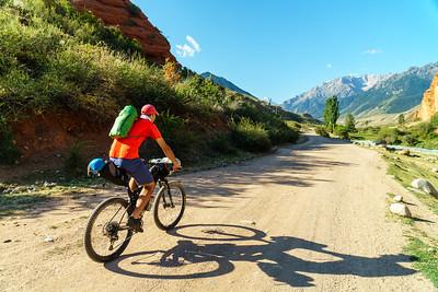 Bikepacking Kyrgyzstan