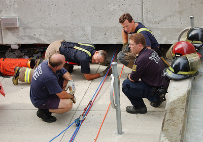 August 6, 2006 - Confined Space Rescue - University of Toronto - near 200 College Street