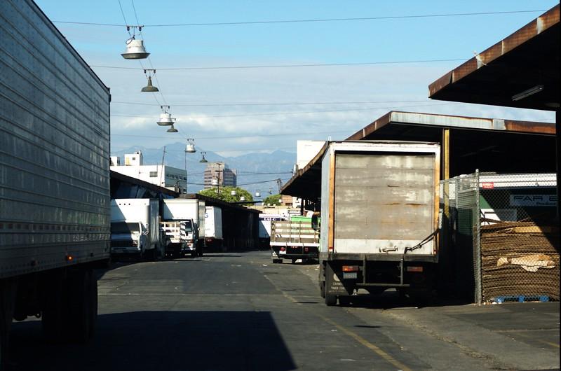 CityMarket014-TrucksInside-2006-10-02.jpg