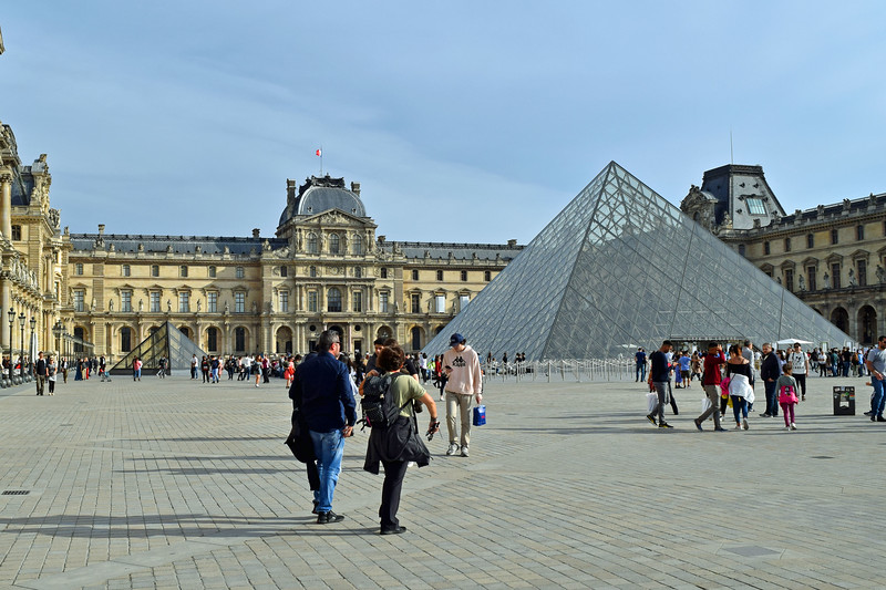 2019 London and Paris (249).JPG