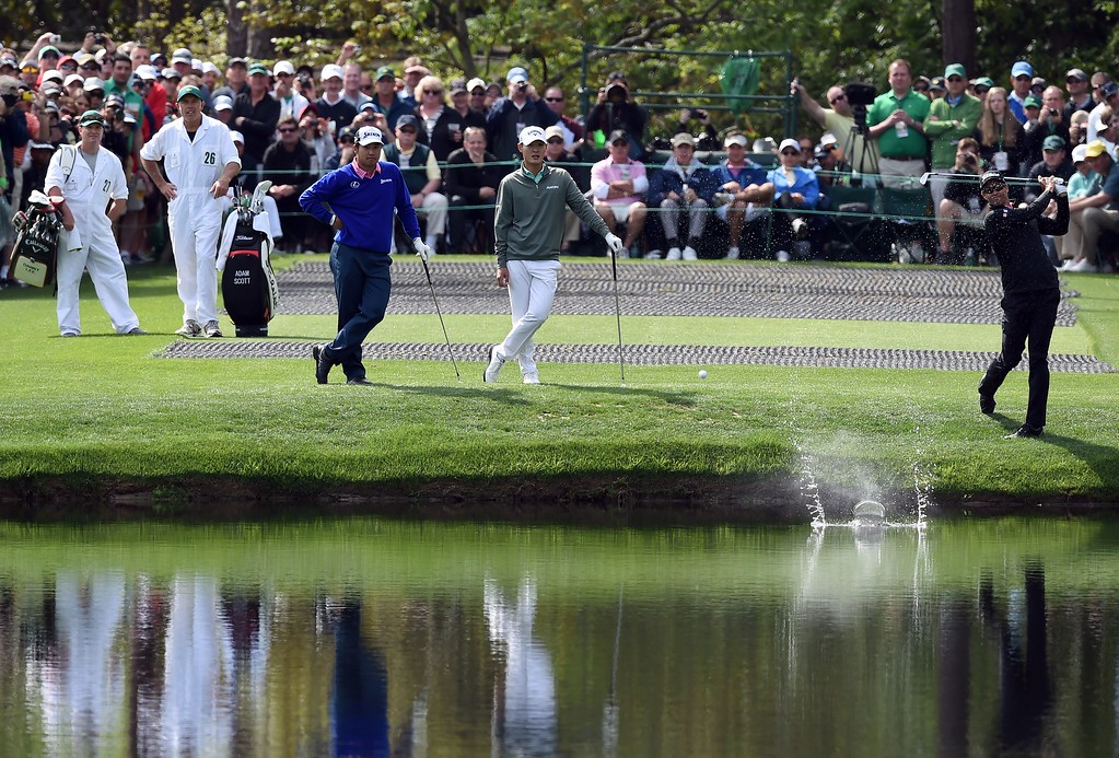 . Australia\'s Adam Scott skips a ball on the pond at the 16th hole during a practice round prior to the start of the 80th Masters of Tournament at the Augusta National Golf Club on April 6, 2016, in Augusta, Georgia.  DON EMMERT/AFP/Getty Images