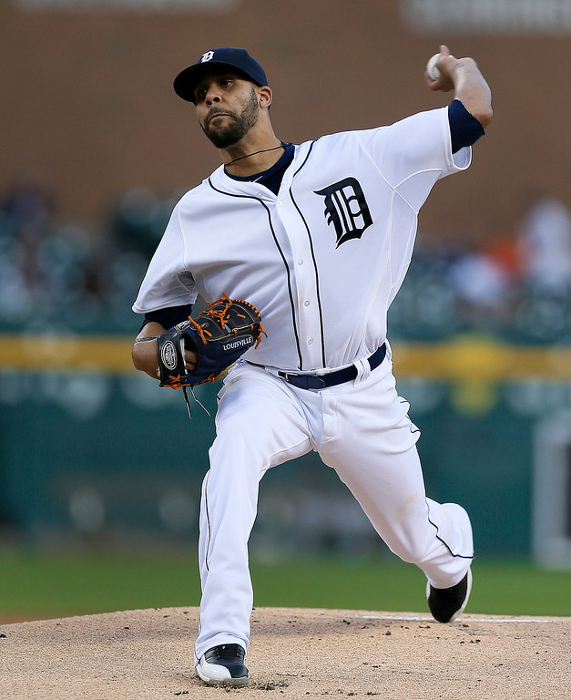 . Detroit Tigers pitcher David Price throws against the Chicago White Sox in the first inning of a baseball game in Detroit Tuesday, Sept. 23, 2014. (AP Photo/Paul Sancya)