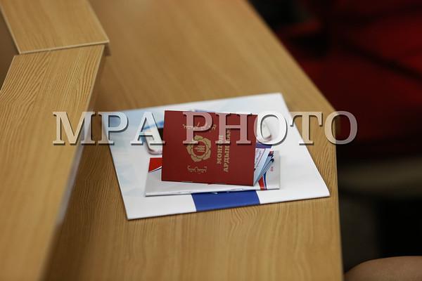 Хуульч, эрхзүйч 30 залуу МАН-д элсэж, батламжийг тус намын Ерөнхий нарийн бичгийн дарга гардууллаа