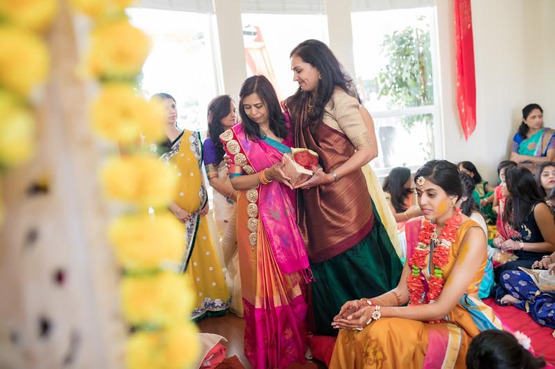 Hina_Pithi_Pooja-235.jpg