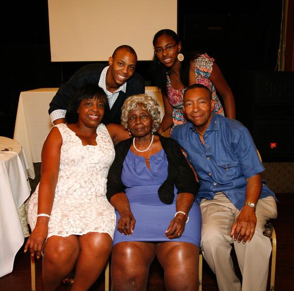 Edouard Family Reunion-3824.jpg