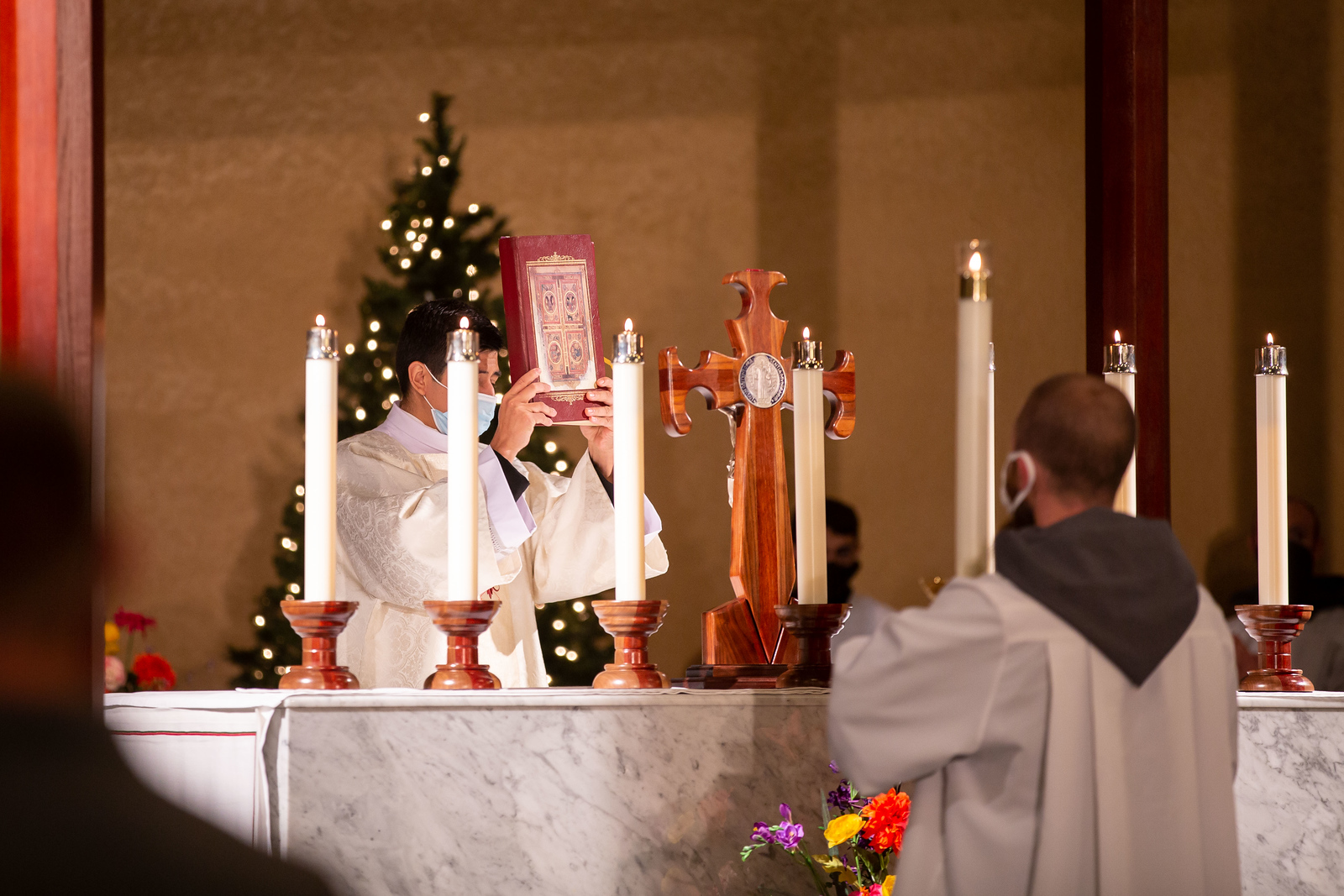 Consecrated_Life_Mass_150.jpg