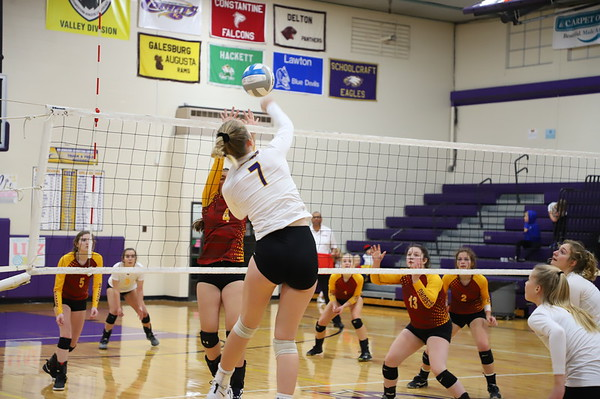 Volleyball Districts vs Galesburg KCHS