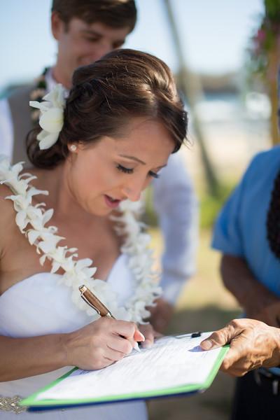 gillin beach kauai wedding-122.jpg