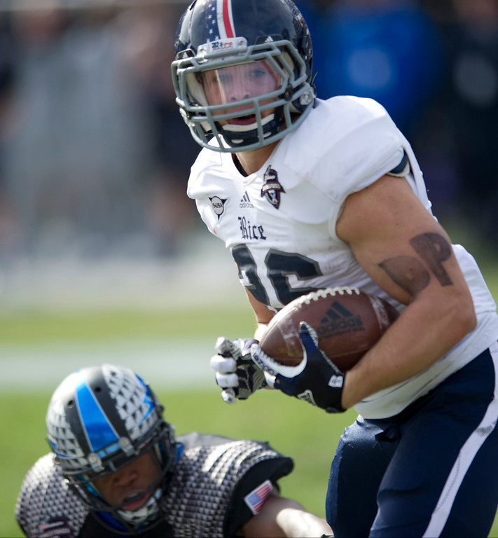 . Turner Petersen #26 of the Rice Owls breaks free against the Air Force Falcons on December 29, 2012 during the Bell Helicopter Armed Forces Bowl at Amon G. Carter Stadium in Fort Worth, Texas.  (Photo by Cooper Neill/Getty Images)