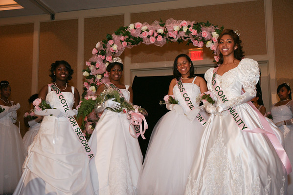 Program/Debutante Presentation/Fathers