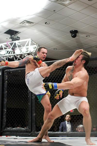 Nate Mortson vs Josh Holtz