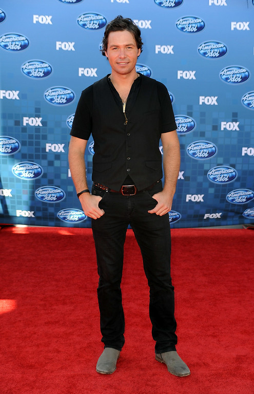 ". Singer Michael Johns arrives at Fox\'s ""American Idol\"" season 10 finale results show held at Nokia Theatre LA Live on May 25, 2011 in Los Angeles, California.  (Photo by Frazer Harrison/Getty Images)"