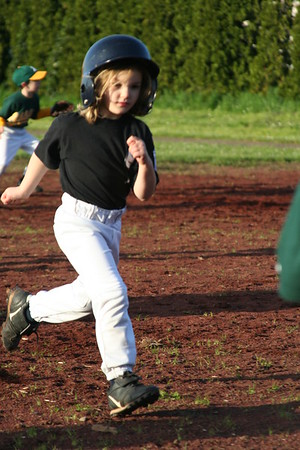 20060418 Sophie T-Ball