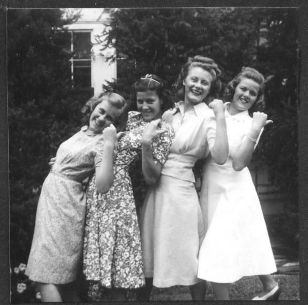 1940abt 4 girls hitch-hike.jpg