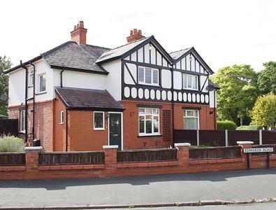 Edwards Road, Lache Park