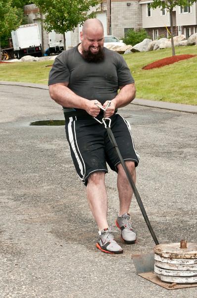Fitness Revolution Strongman Challenge 2011_ERF4120.jpg
