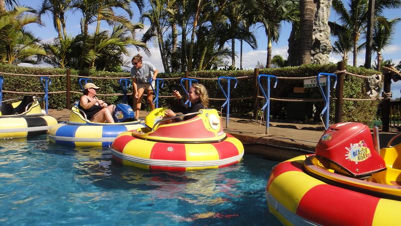 2011-08-08-0003-Maui with Hahns-Bummer Boats-ElaineH-Debby.JPG