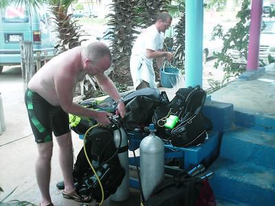 Curacao Scuba Dive Bus Reef Pierbaai, Tug Boat Baya Beach Caracasbaai