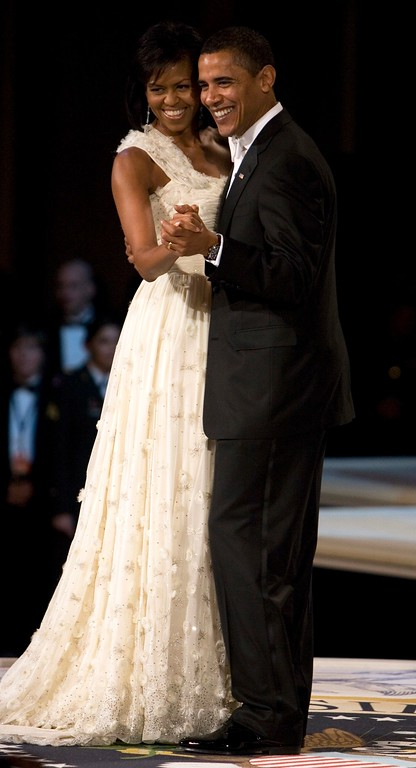 . President Barack Obama and first lady Michelle Obama dance during the Commander in Chief\'s Ball, Tuesday, Jan. 20, 2009, in Washington. (AP Photo/Haraz N. Ghanbari)