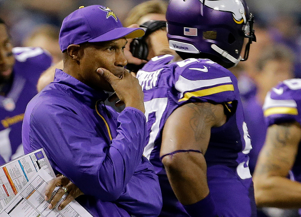 """. <p>8. LESLIE FRAZIER <p>If you were planning to start Christian Ponder again, you wouldn�t be bragging about it, either. (3) <p><b><a href=\'http://www.twincities.com/sports/ci_24418607/vikings-starting-quarterback-surprise-leslie-frazier-says\' target=\""""_blank\""""> HUH?</a></b> <p>    (AP Photo/Ann Heisenfelt)"""