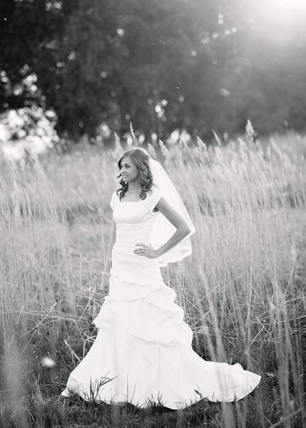 Amy Bridals 088bw.jpg
