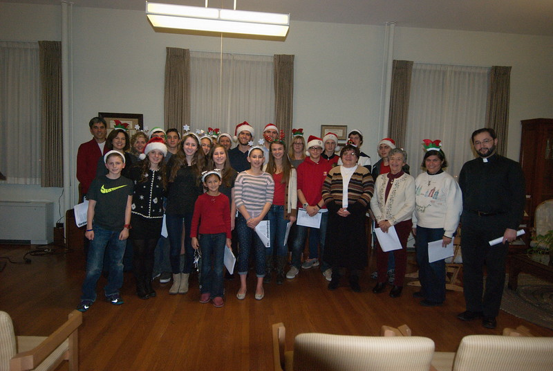 2014-12-10-Christmas-Caroling-at-Sisters-of-Divine-Providence_014.jpg