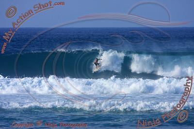 2010_12_08 (4-5pm) - Surfing Laniakea, NORTH SHORE