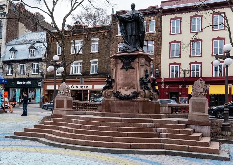 Cardinal Taschereau Monument