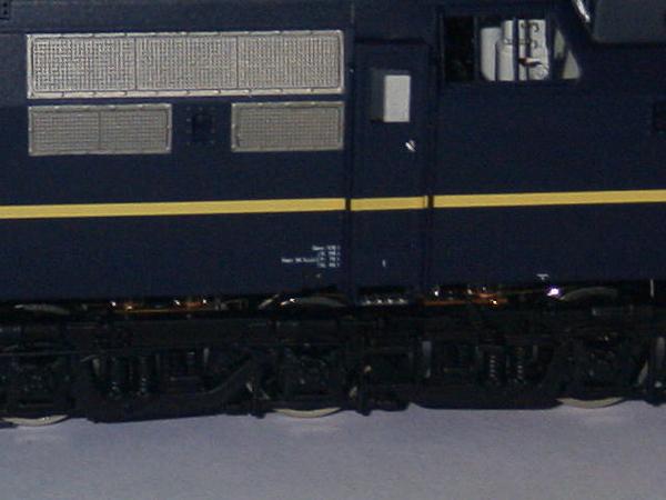 philotrain 870-24-3 1204 berlijns blauw zonder detail zij3.JPG