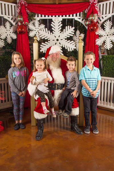 Santa 12-16-17-209.jpg