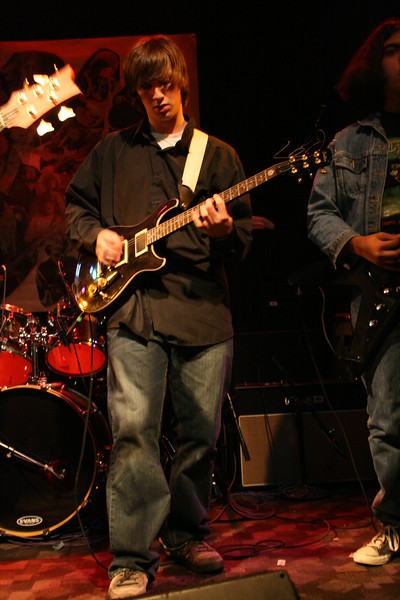 Paden Mullins Guitar at the 8 by 10 baltimore 2007 027.JPG