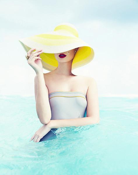 stylist-jennifer-hitzges-magazine-fashion-lifestyle-creative-space-artists-management-38.jpg