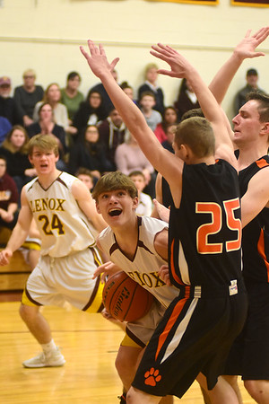 Lee's Ben Harding reaches 1000th point during game with Lenox - 011419