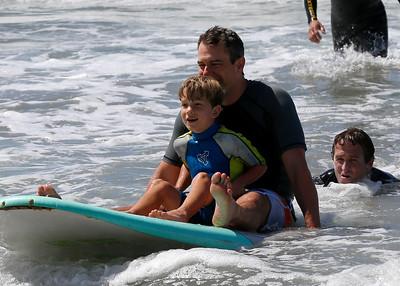2017_09_23 Surf Camp 30 P2 Boy Br Hair WS Blue Yellow