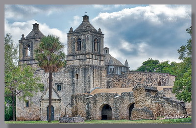 San Antonio Missions HDR with Aurora Software
