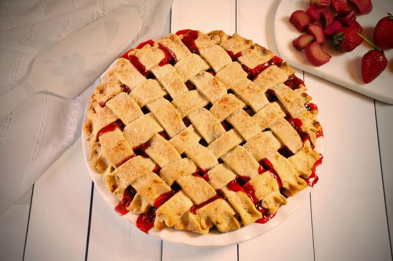 Strawberry-rhubarb-pie-3-web.jpg
