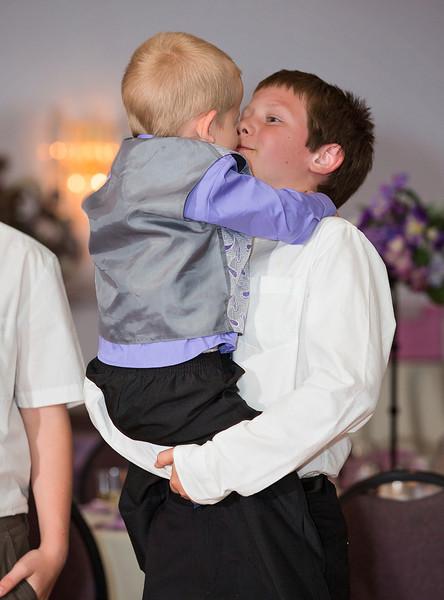 Cousins kissing.jpg