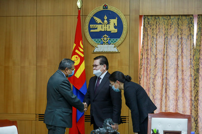 НҮБ-ын Суурин зохицуулагч Тапан Мишра, ДЭМБ-ын Суурин төлөөлөгч Сергей Диордица нартай уулзлаа