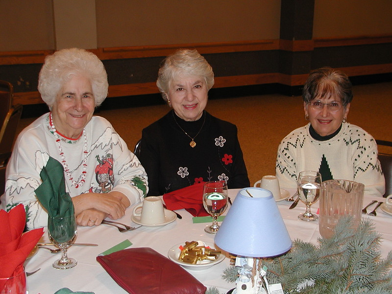 2002-12-12-Philoptochos-Senior-Citizens-Luncheon_004.jpg