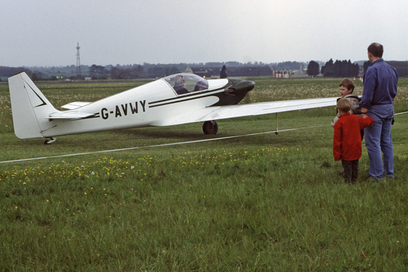 G-AVWY-SportaviaPutzerRF-4D-Private-EGBP-2002-05-11-LJ-13-KBVPCollection.jpg