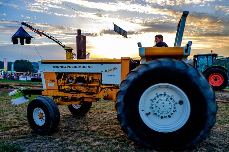 Tractor Pulling 2015-2016.jpg