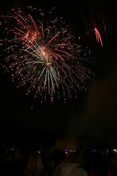 2007_1102putneyfireworks095_edited-1.JPG